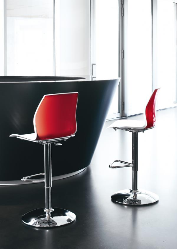 Kastel barhocker kalea einfarbig mit tellerfu barhocker for 1001stuhl design versandhandel