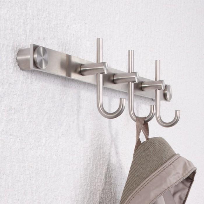 phos rundstahl hakenleiste mit kleiderhaken garderobenleisten garderoben garderobenleisten. Black Bedroom Furniture Sets. Home Design Ideas